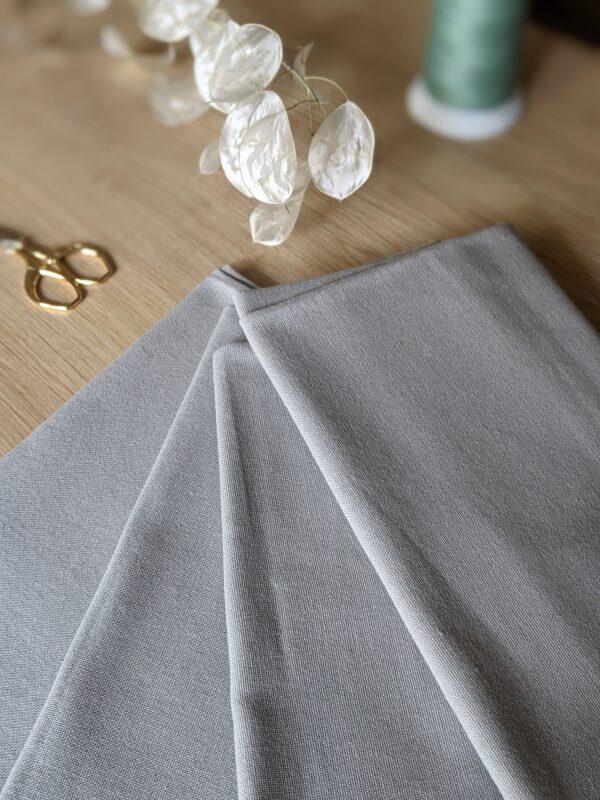 serviette de table personnalisée brodée